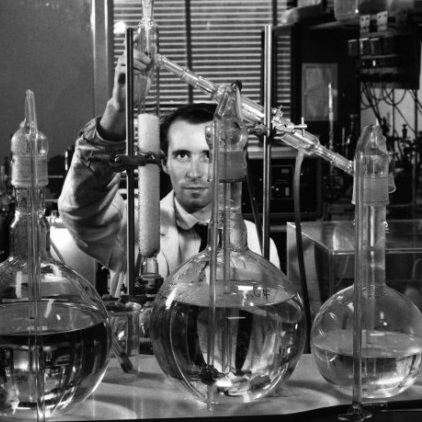 Chemical_research_at_Chelsea_Polytechnic_(1950_s)